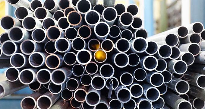 سطح لوله مانیسمان تقلبی فاقد درخشش فلزی است